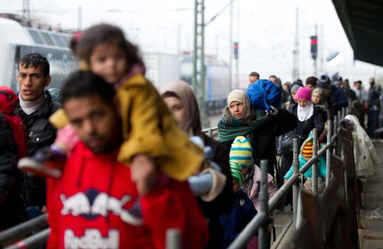Refugees and migrants in Europe: a need for standard and equal health care policies