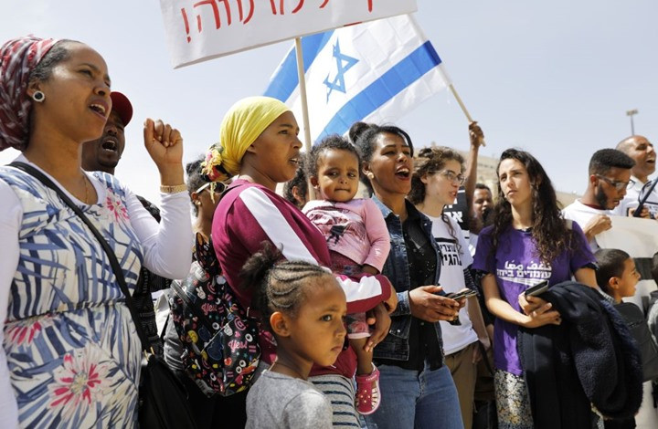 Israel should reconsider its policies towards immigrants and migrant workers and stop forced deportation